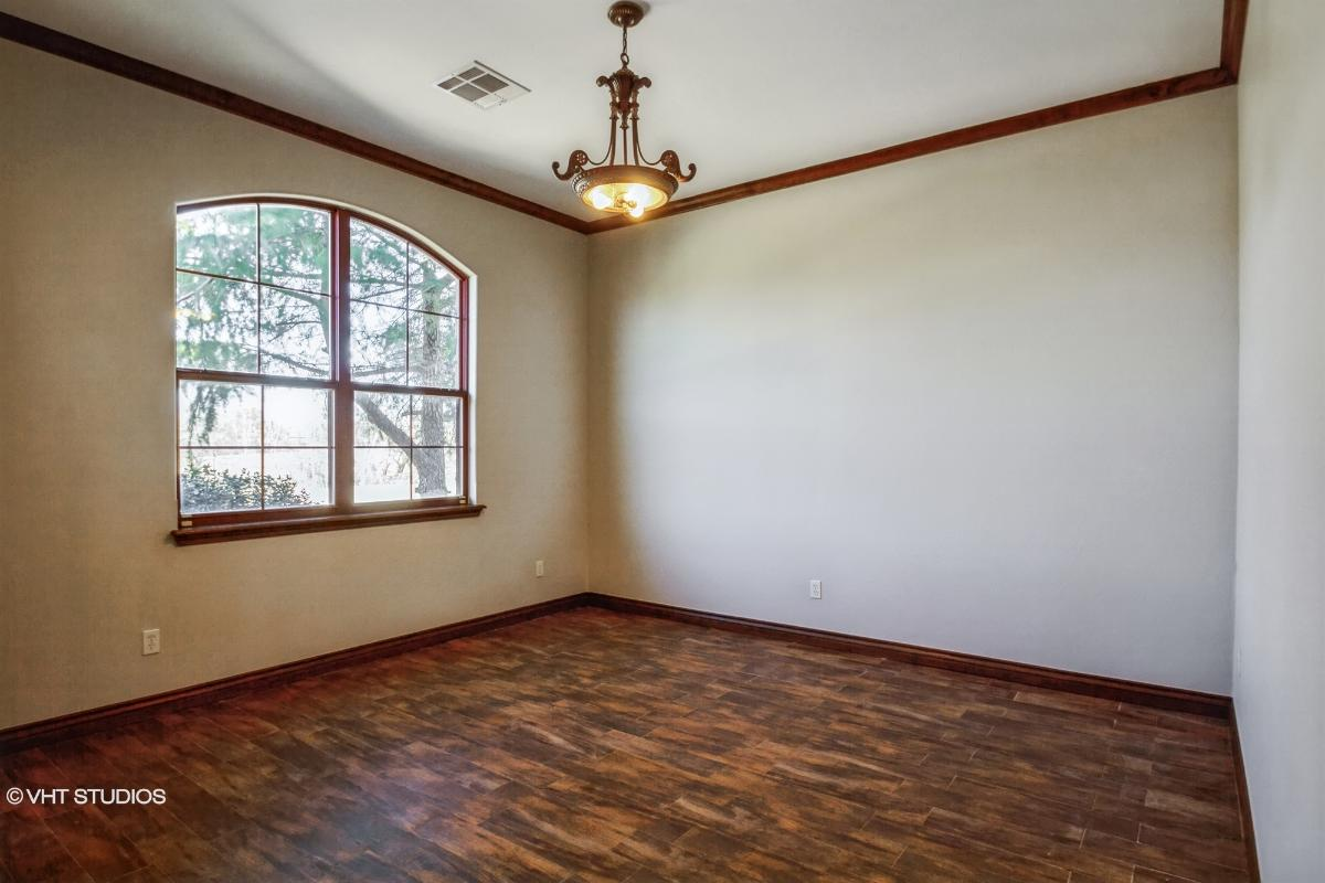 16712 Moorgate Ln, Edmond, Oklahoma