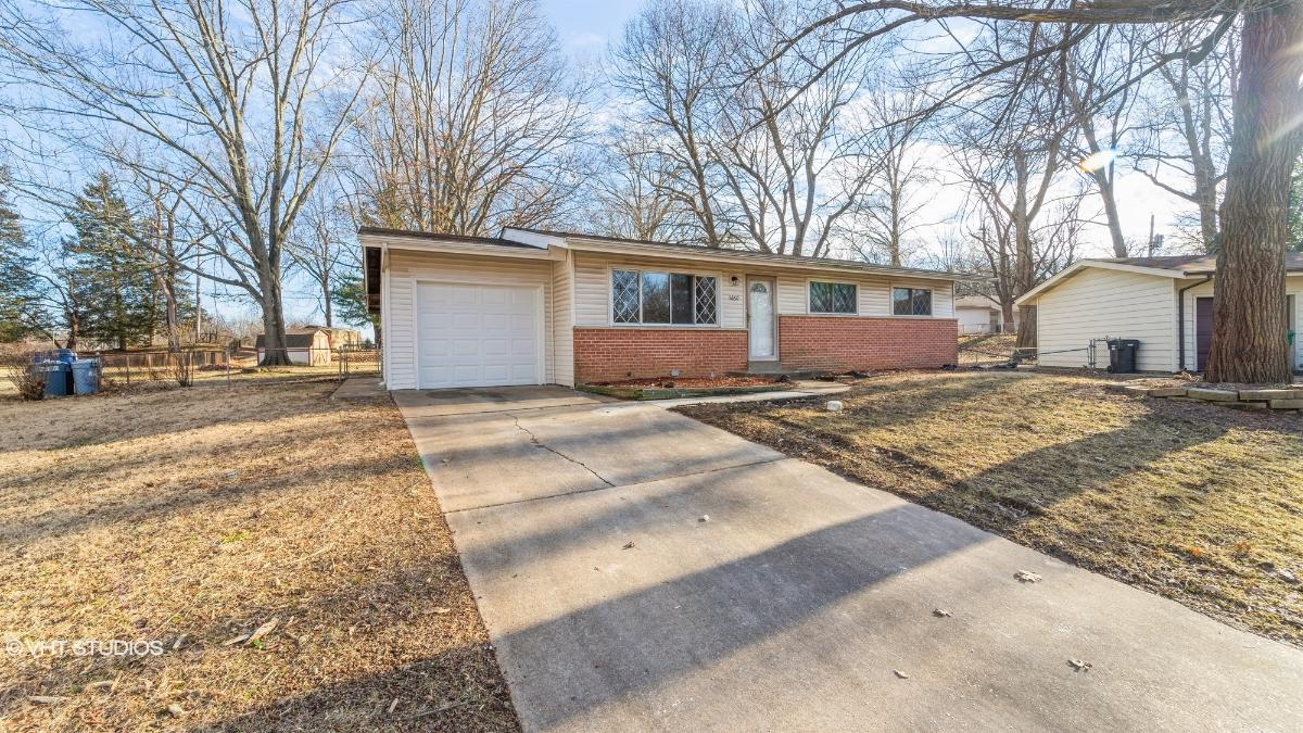 11660 Herefordshire Dr, Saint Louis, Missouri