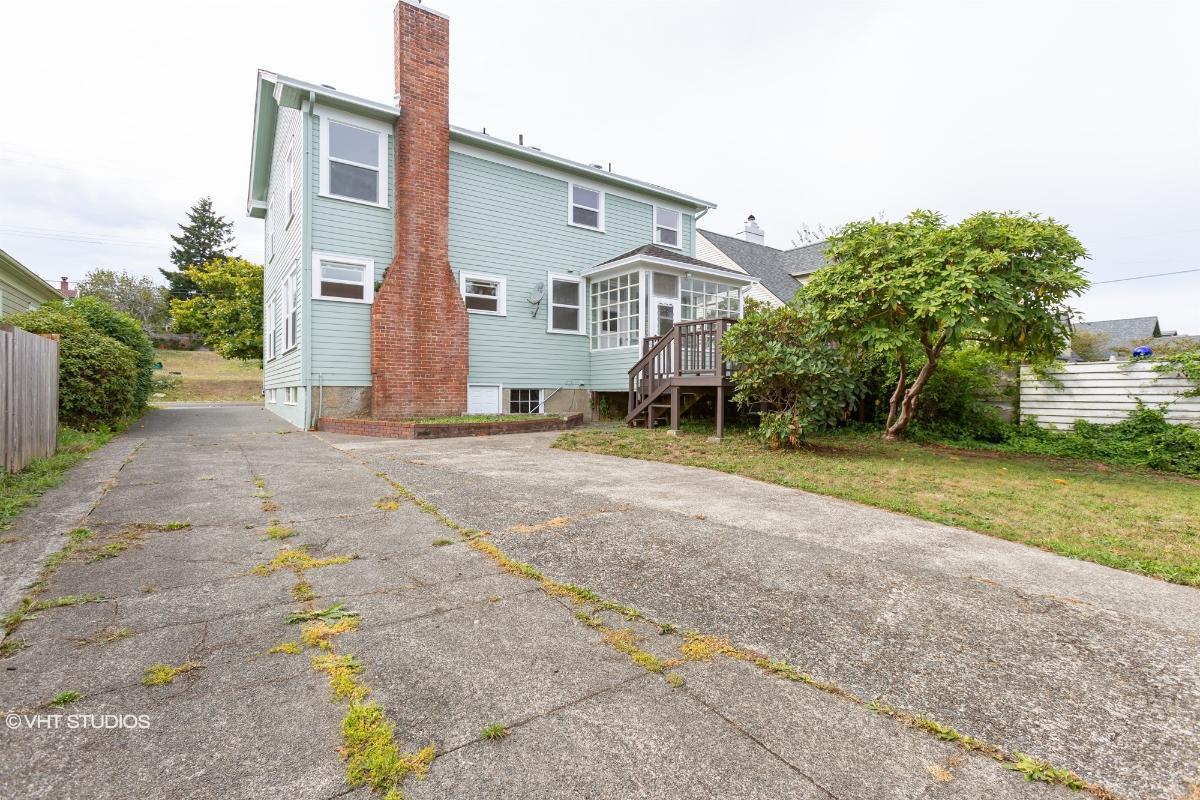 910 S 5th St, Coos Bay, Oregon