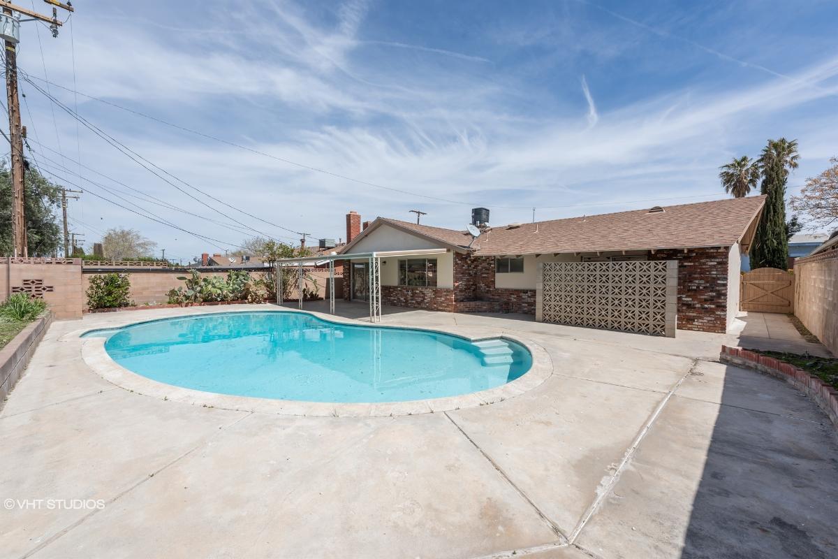 38465 2nd St E, Palmdale, California
