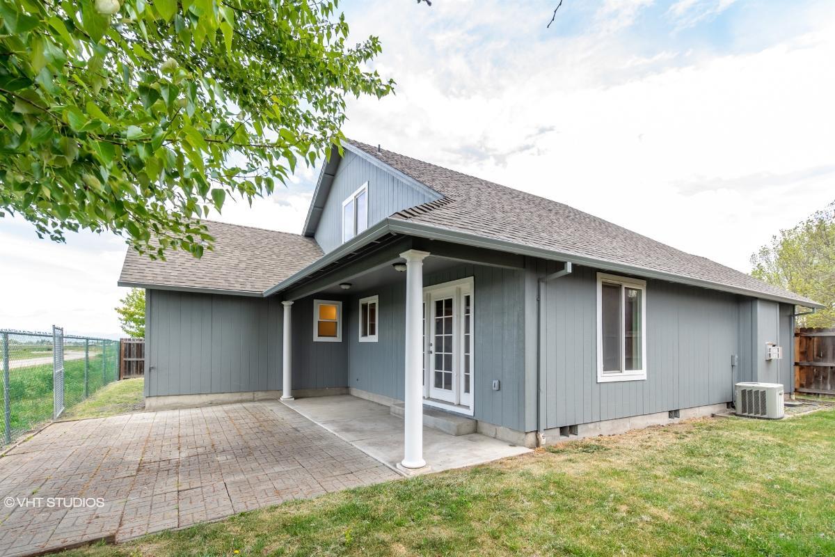 2121 Manchester Dr, Medford, Oregon