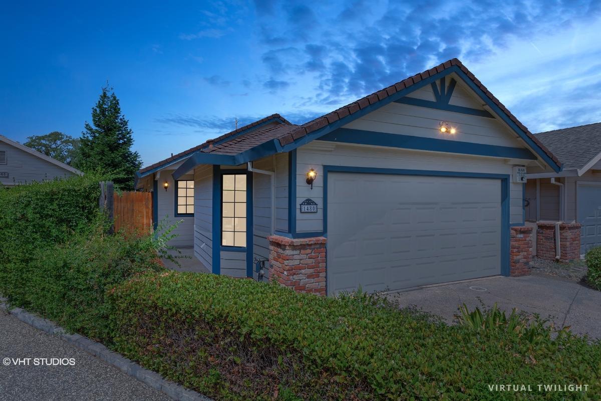 1480 W Hidalgo Cir, Roseville, California