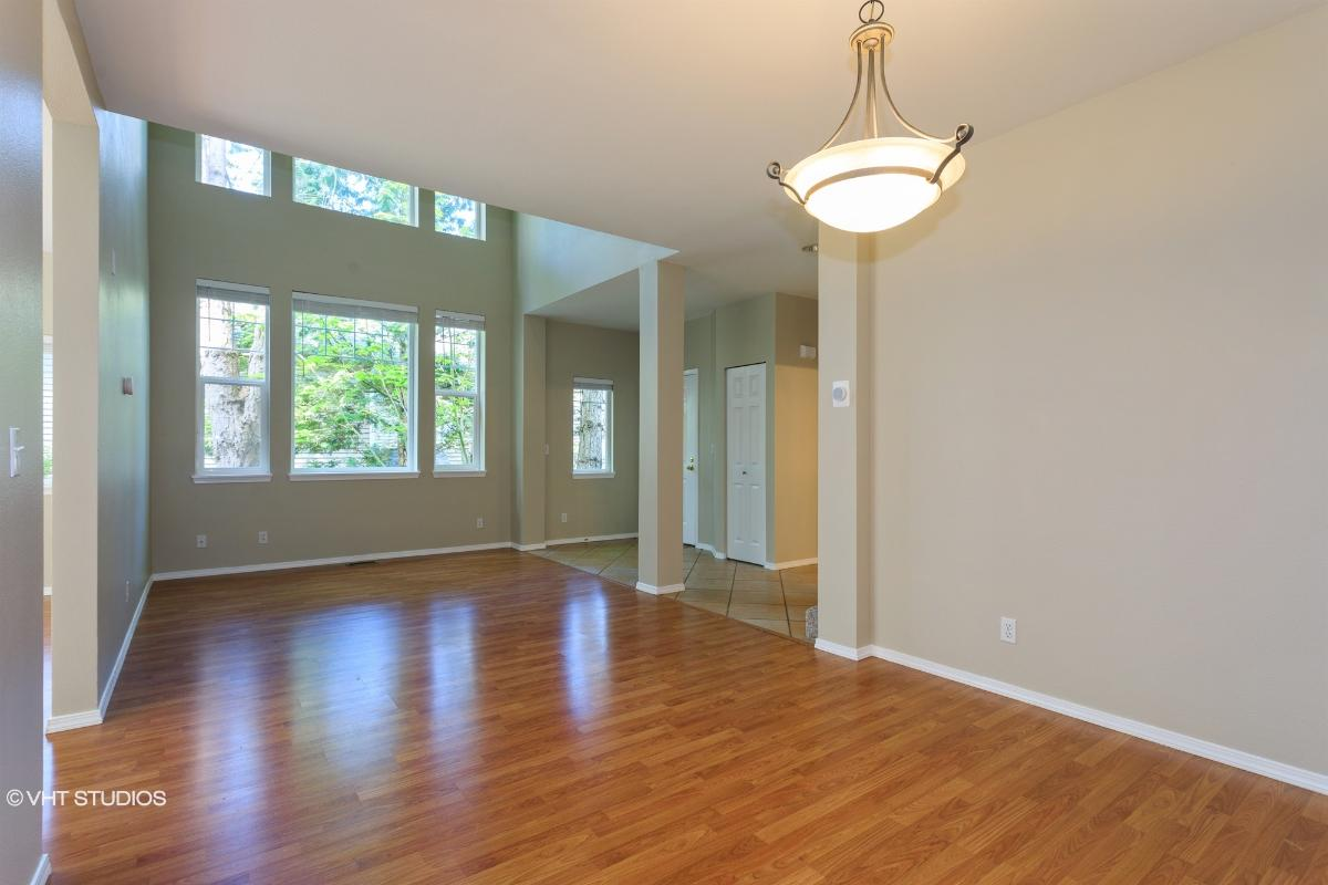 413 S 47th Street 413, Renton, Washington