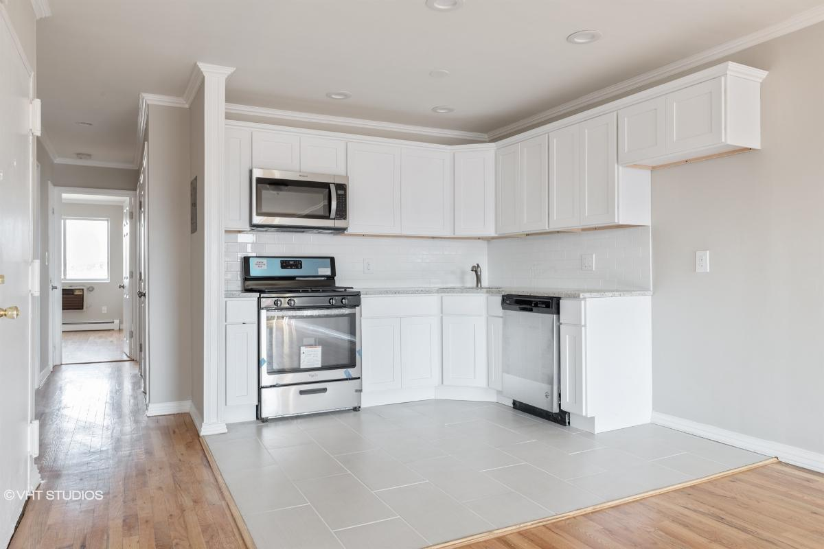 532 E 86th St # 402, Brooklyn, New York