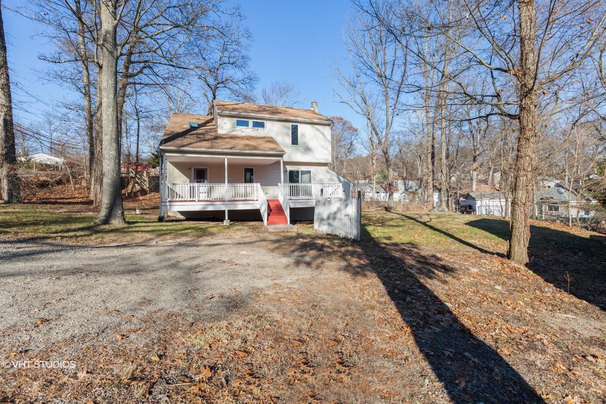 19 Northwestern Way, Hopatcong, New Jersey