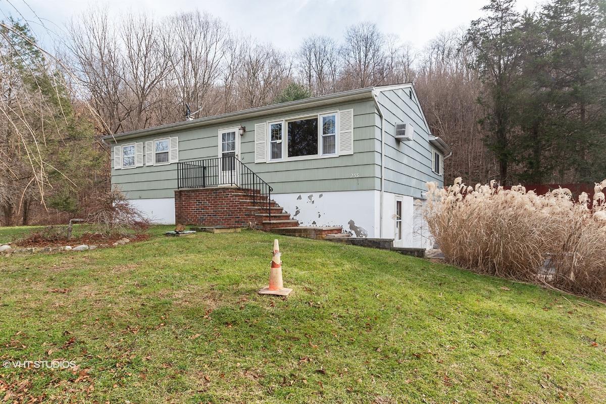 253 Munsonhurst Rd, Franklin, New Jersey