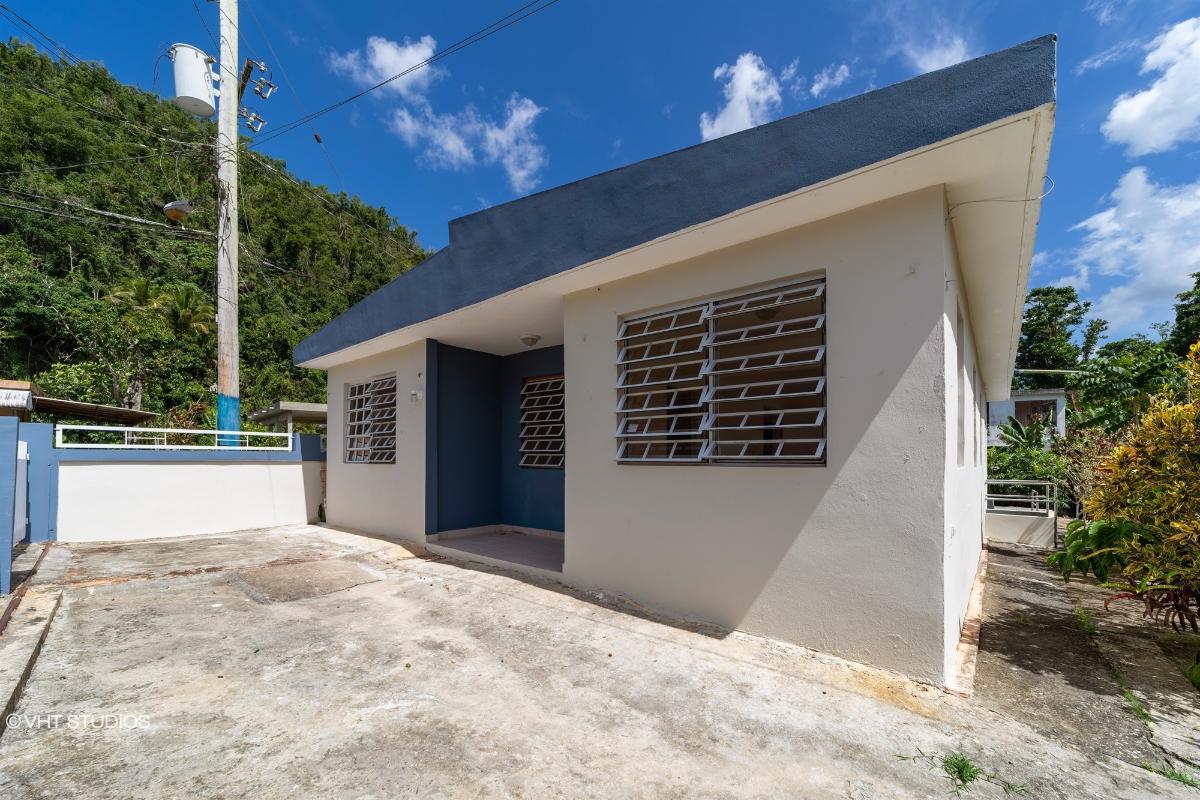 2 Calle Edelmiro Serrano Parc Selgas, Florida, Puerto Rico