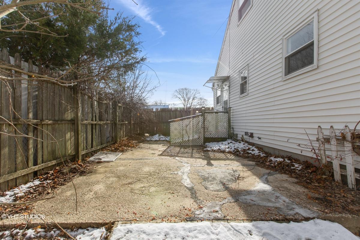 118 Circle Dr South, Patchogue, New York