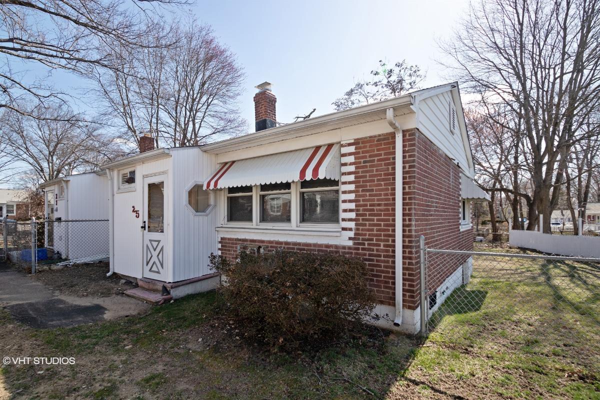 25 Underwood Ct, Stratford, Connecticut