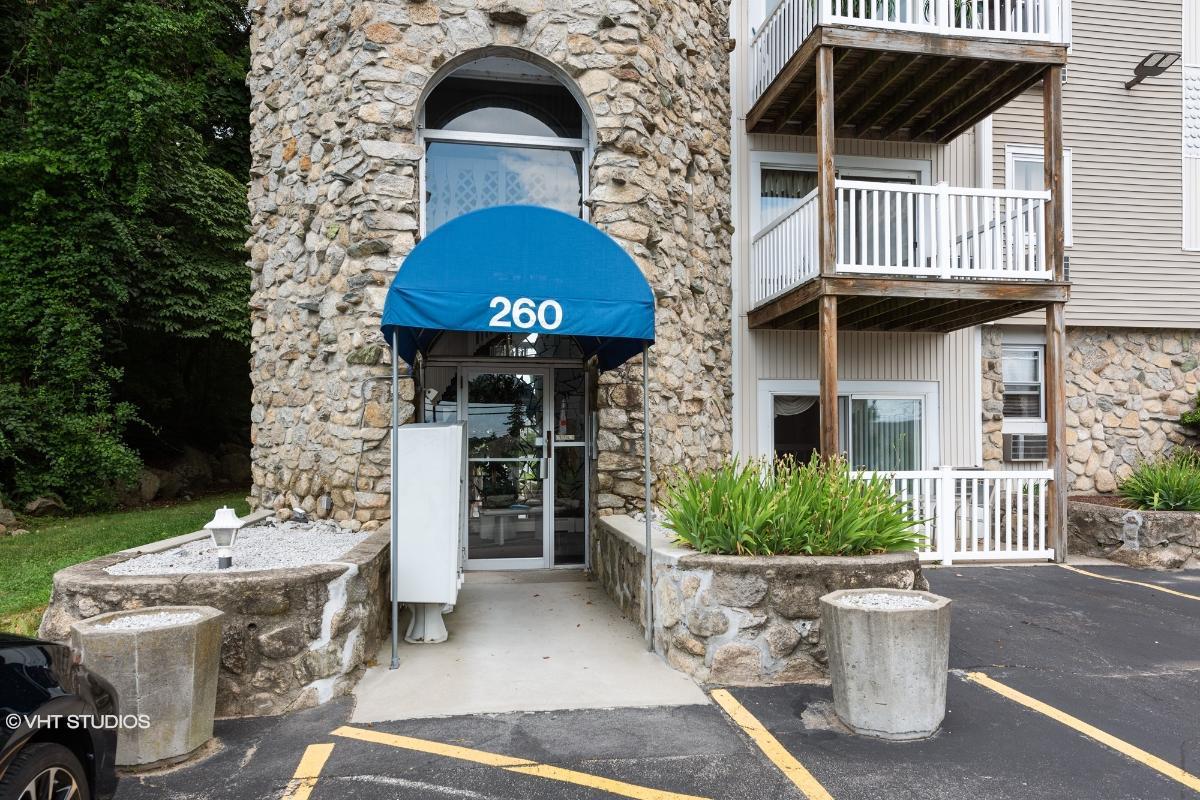 260 George Waterman Rd, Johnston, Rhode Island