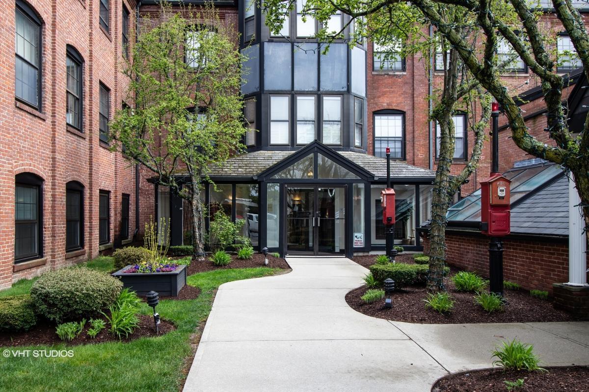 21 Linden St 404, Quincy, Massachusetts