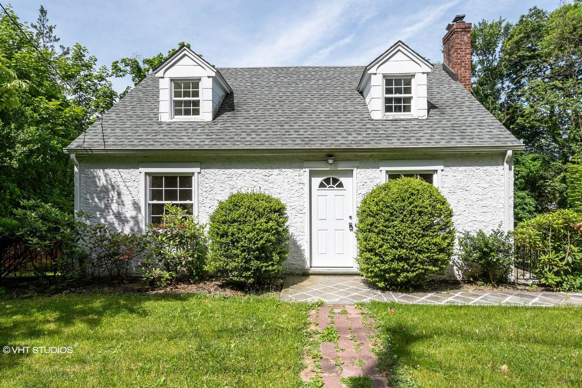 1349 Weaver St, Scarsdale, New York