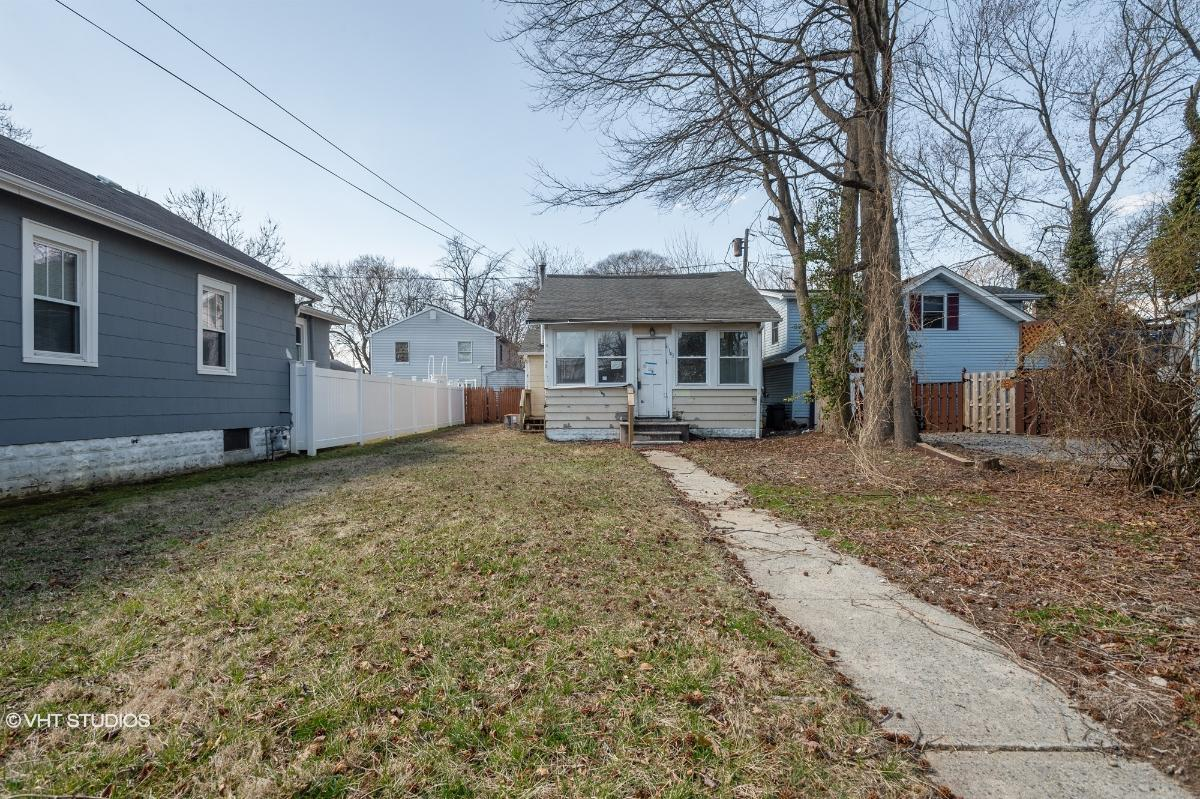 141 Ocean Ave, Middletown, New Jersey