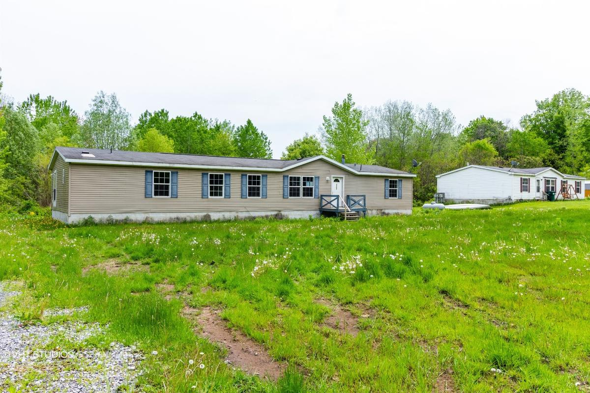 8360 E Mud Lake Rd, Baldwinsville, New York