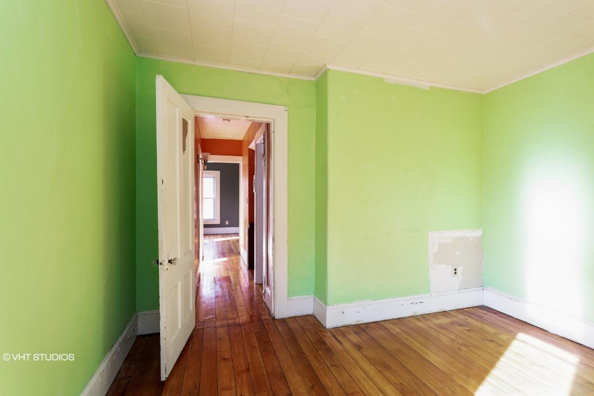328 Linden St, Holyoke, Massachusetts