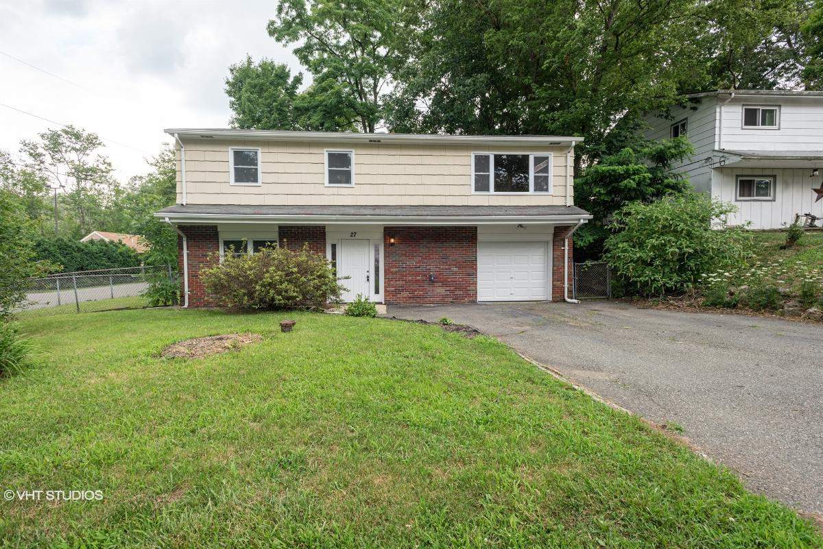 27 Reading Rd, Hopatcong, New Jersey
