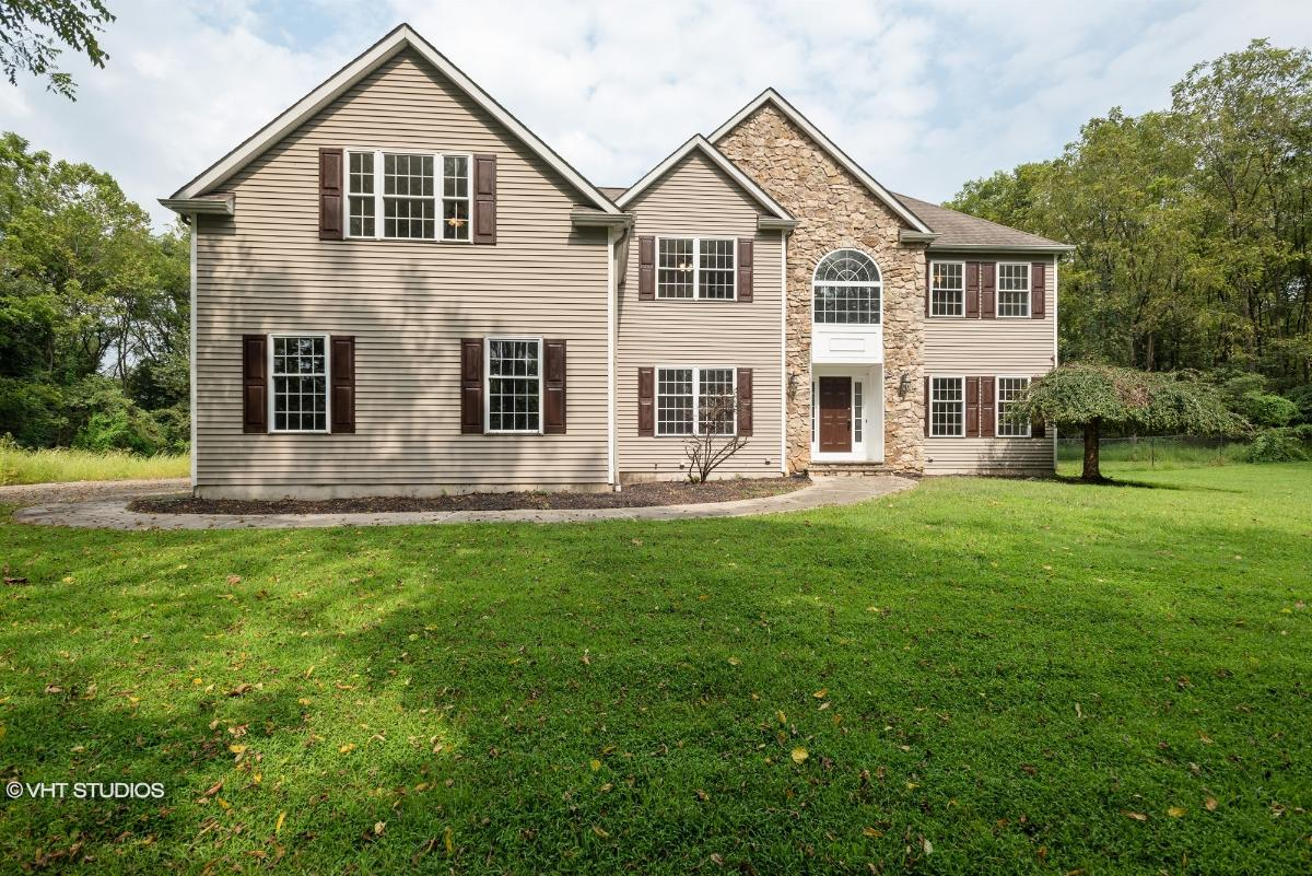 33 Benjamin Dr, Washington, New Jersey