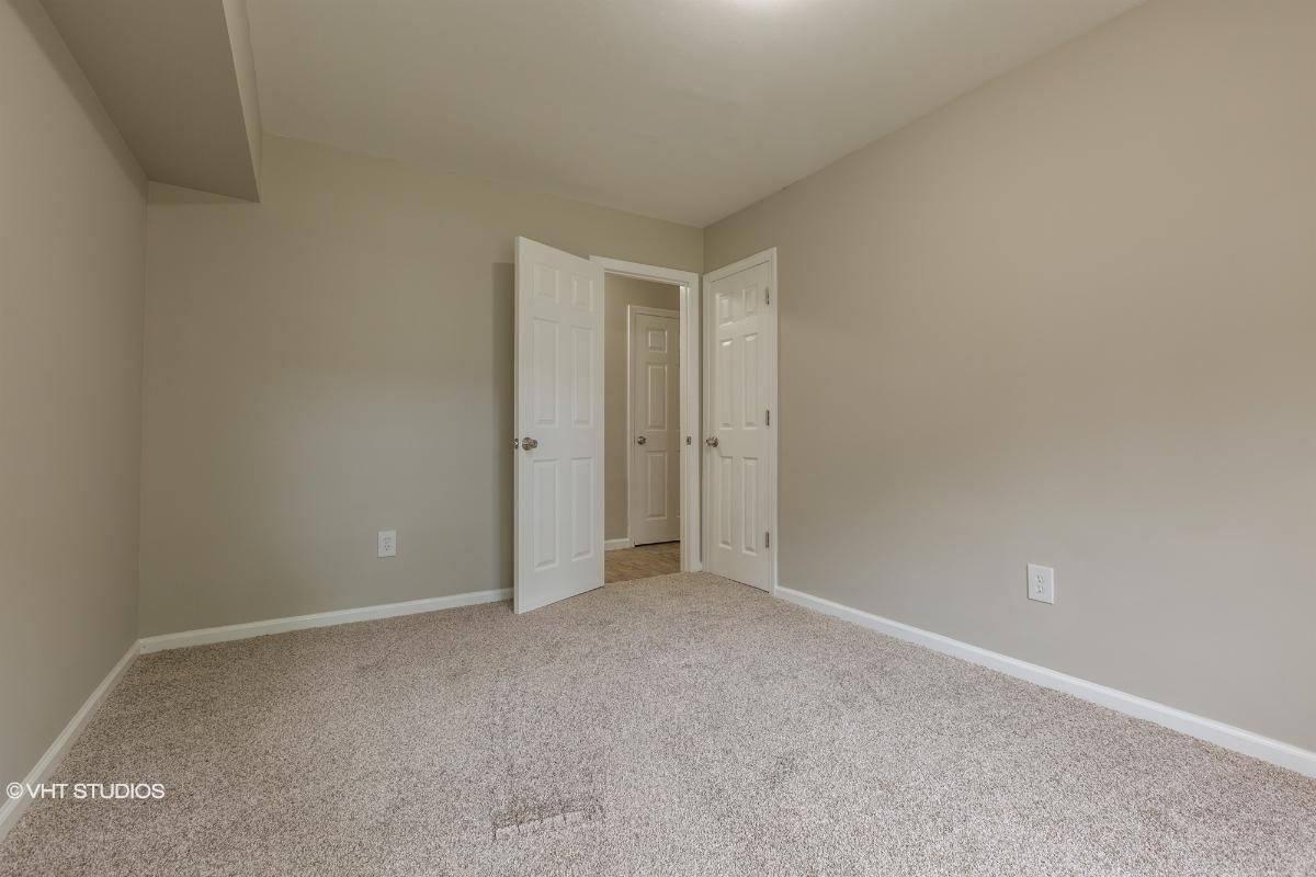 655 Middle Country Rd Apt 4d1, Coram, New York