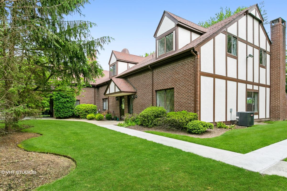 487 Piermont Ave S, River Vale, New Jersey