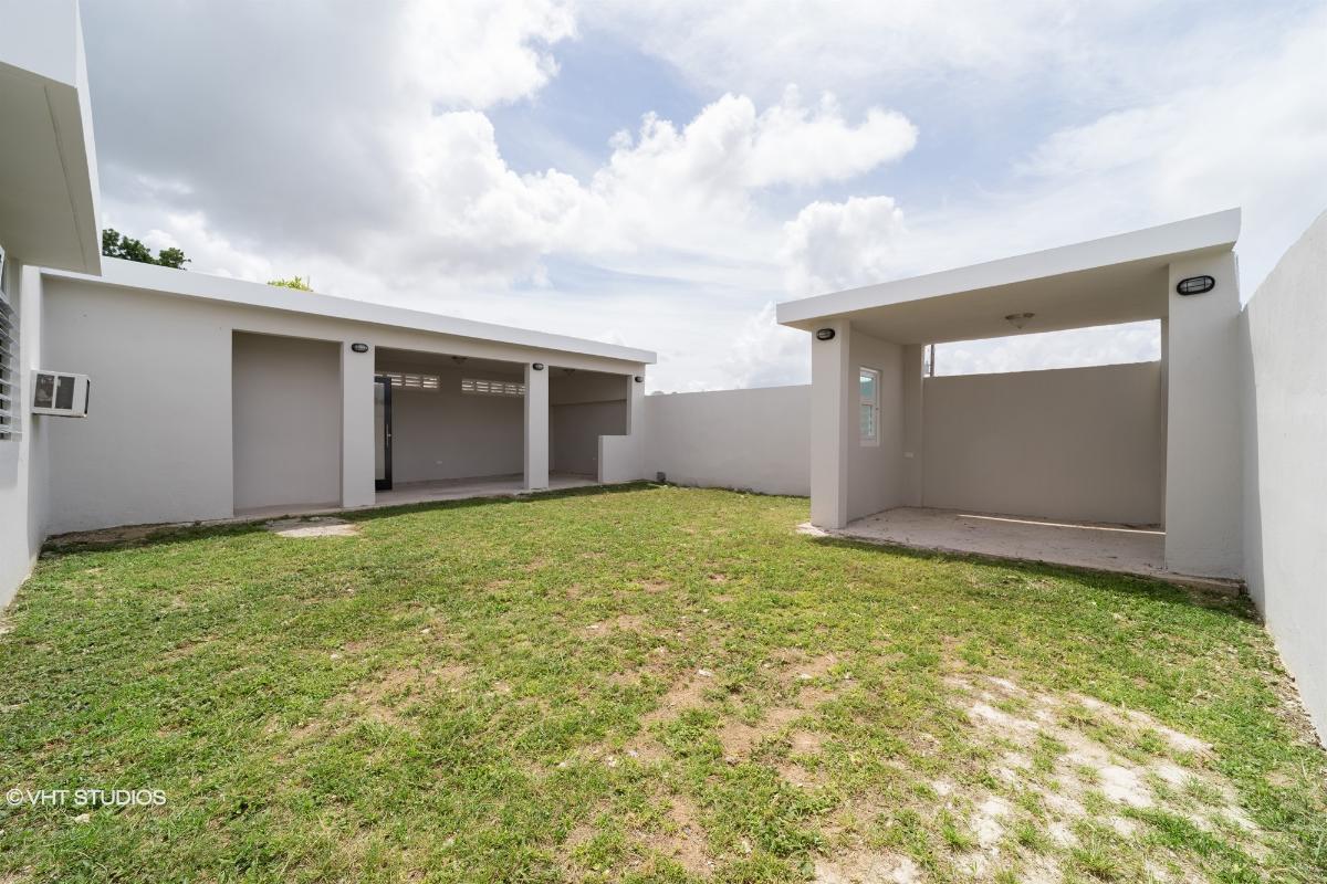 San Lucas St D73 Lirios Cala Dev, Juncos, Puerto Rico