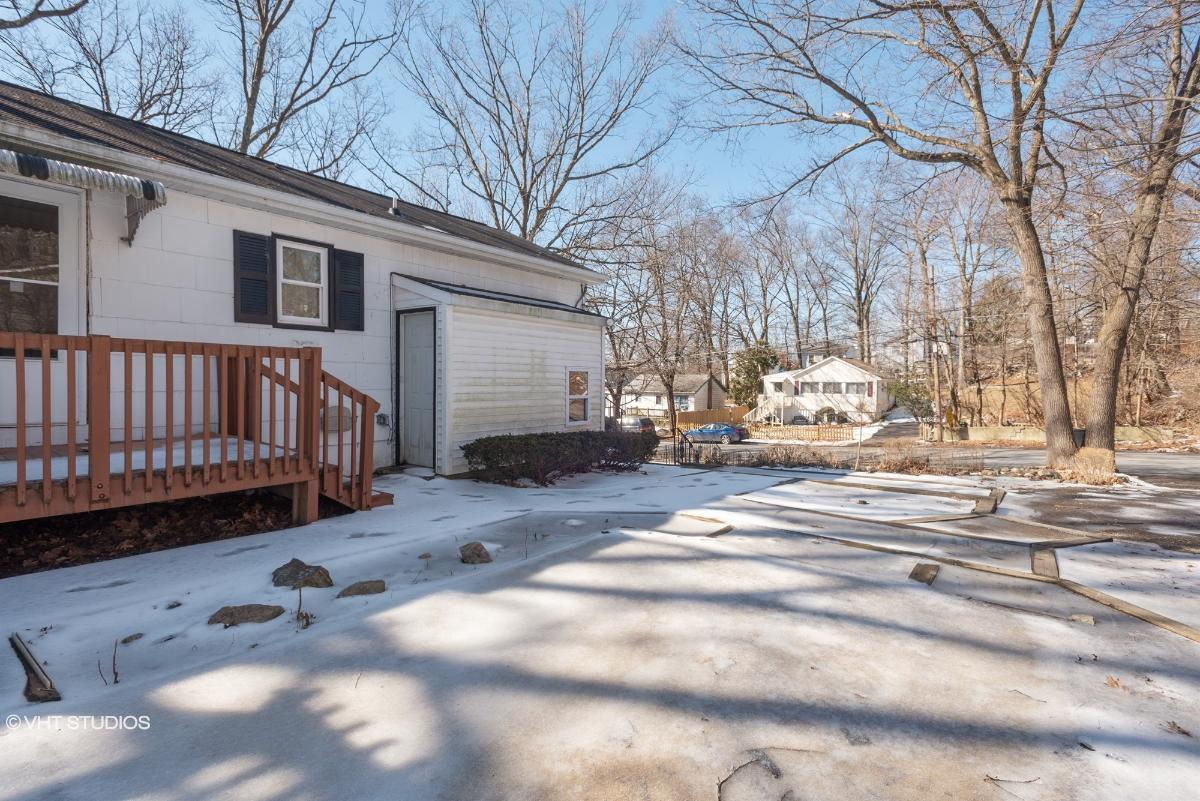 503 Brooklyn Mountain Rd, Hopatcong, New Jersey