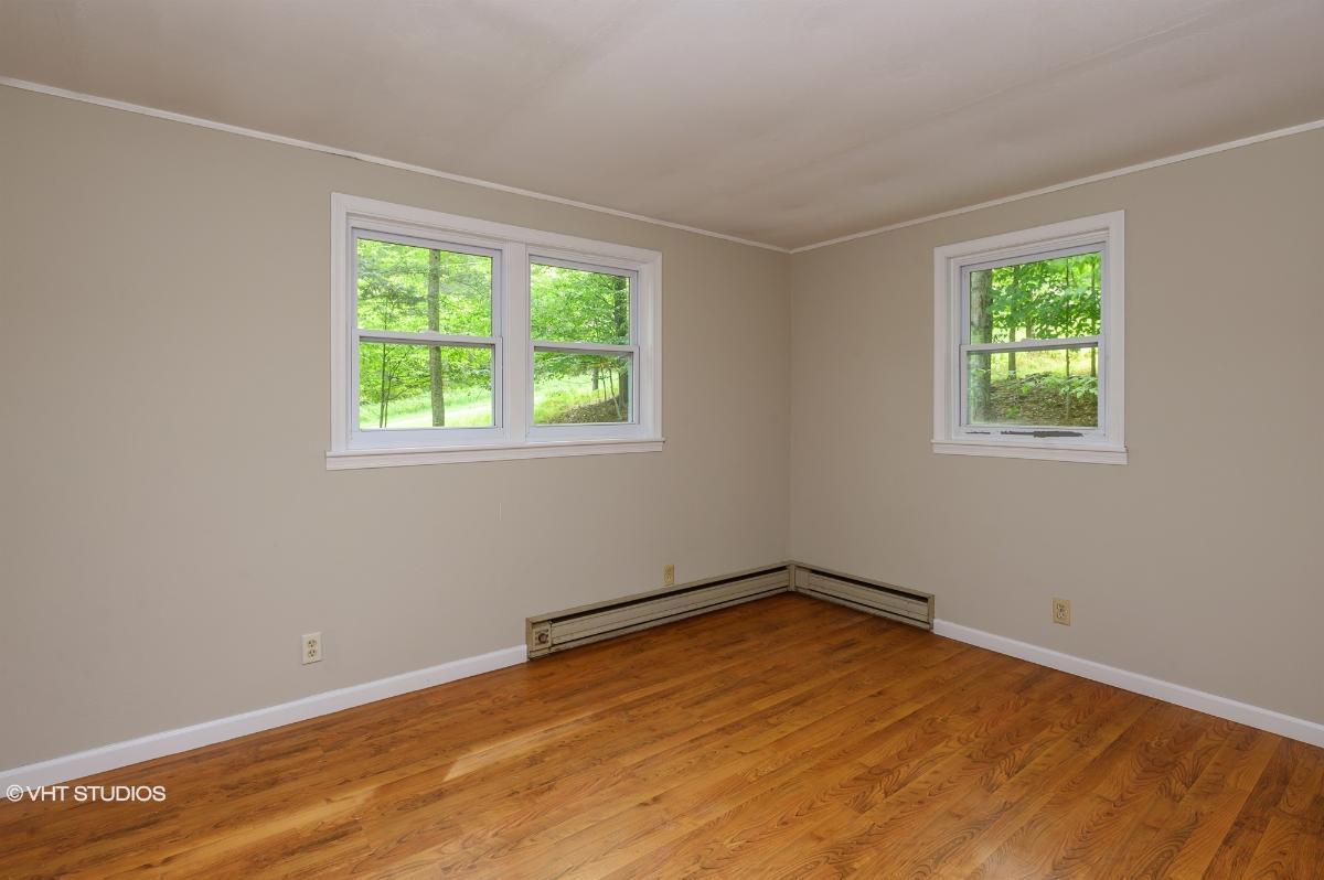 104 Fawnwood Cir, Greentown, Pennsylvania