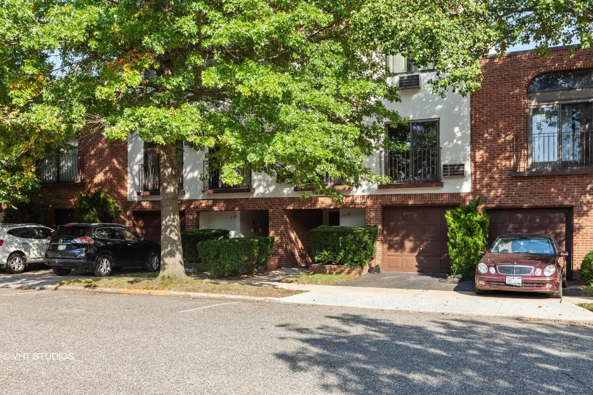 505 Schorr Dr Unit 39c, New York