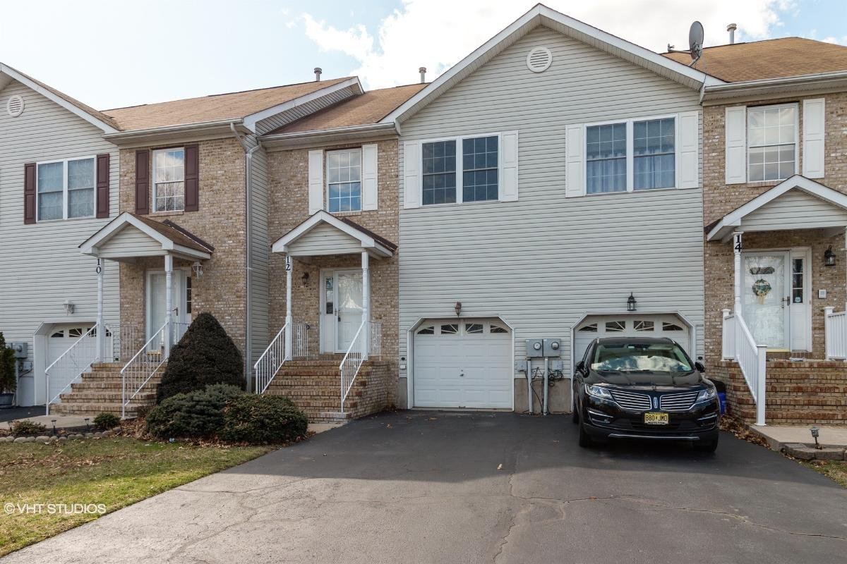 12 Lakeview Dr, Helmetta, New Jersey
