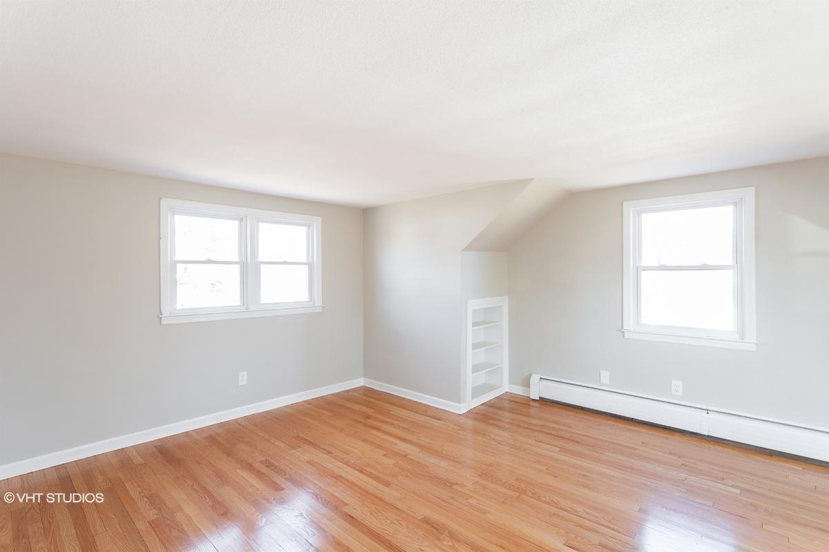 35 Saint Thomas St, Enfield, Connecticut