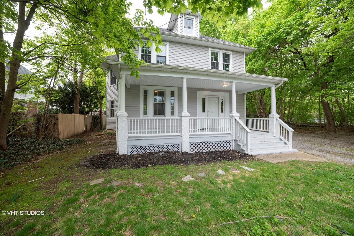 96 Berry Hill Rd, Oyster Bay, New York