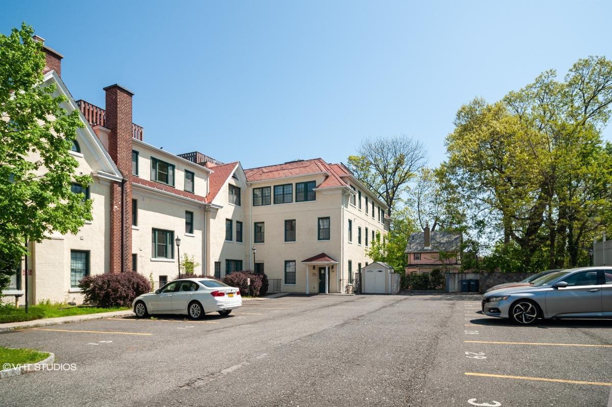 325 Highland Ave, Mount Vernon, New York