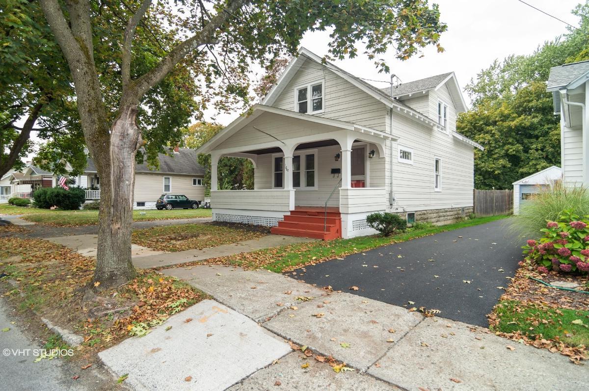 1067 Dean St, Schenectady, New York