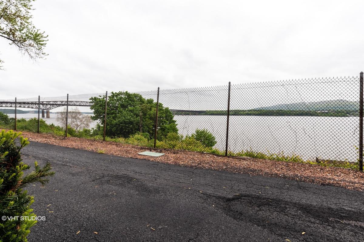 350 N Water St Apt 67, Newburgh, New York