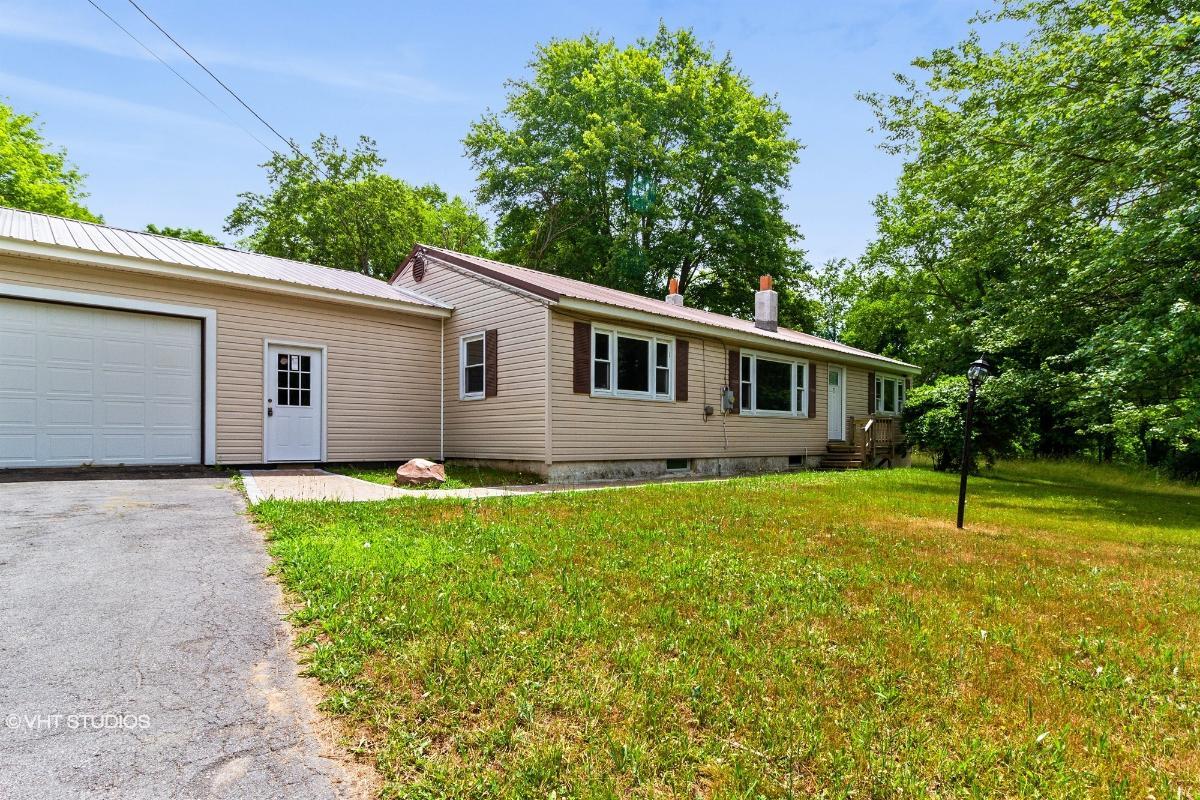 406 County Rt 38, Parish, New York