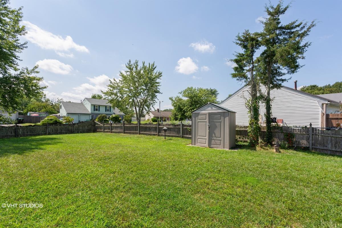 136 Arbor Meadow Dr, Sicklerville, New Jersey