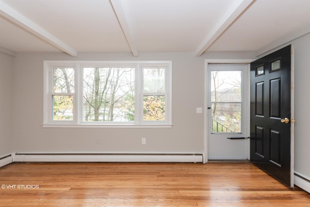 40 Durant Avenue, Bethel, Connecticut