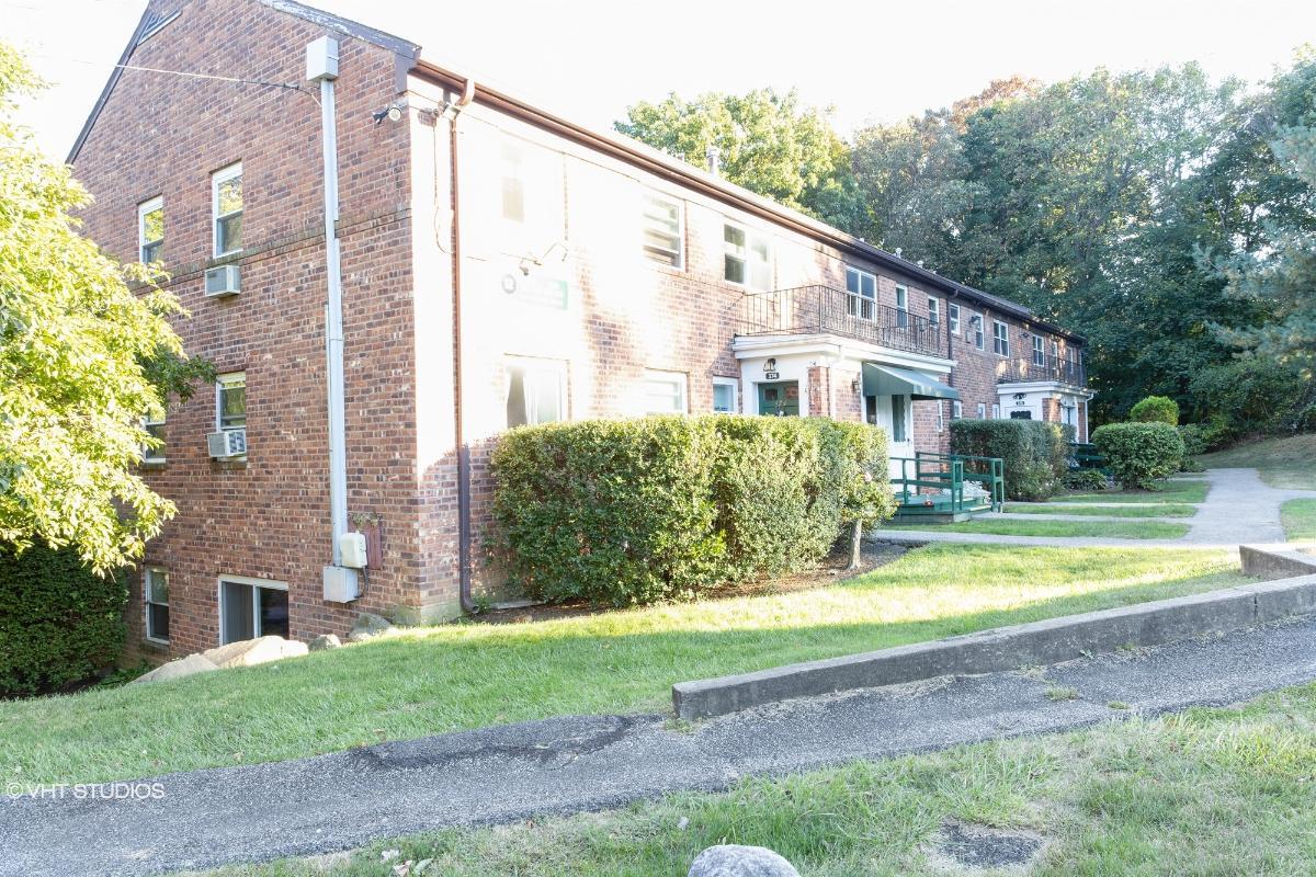 12 Fieldstone Dr Unit 372, Hartsdale, New York