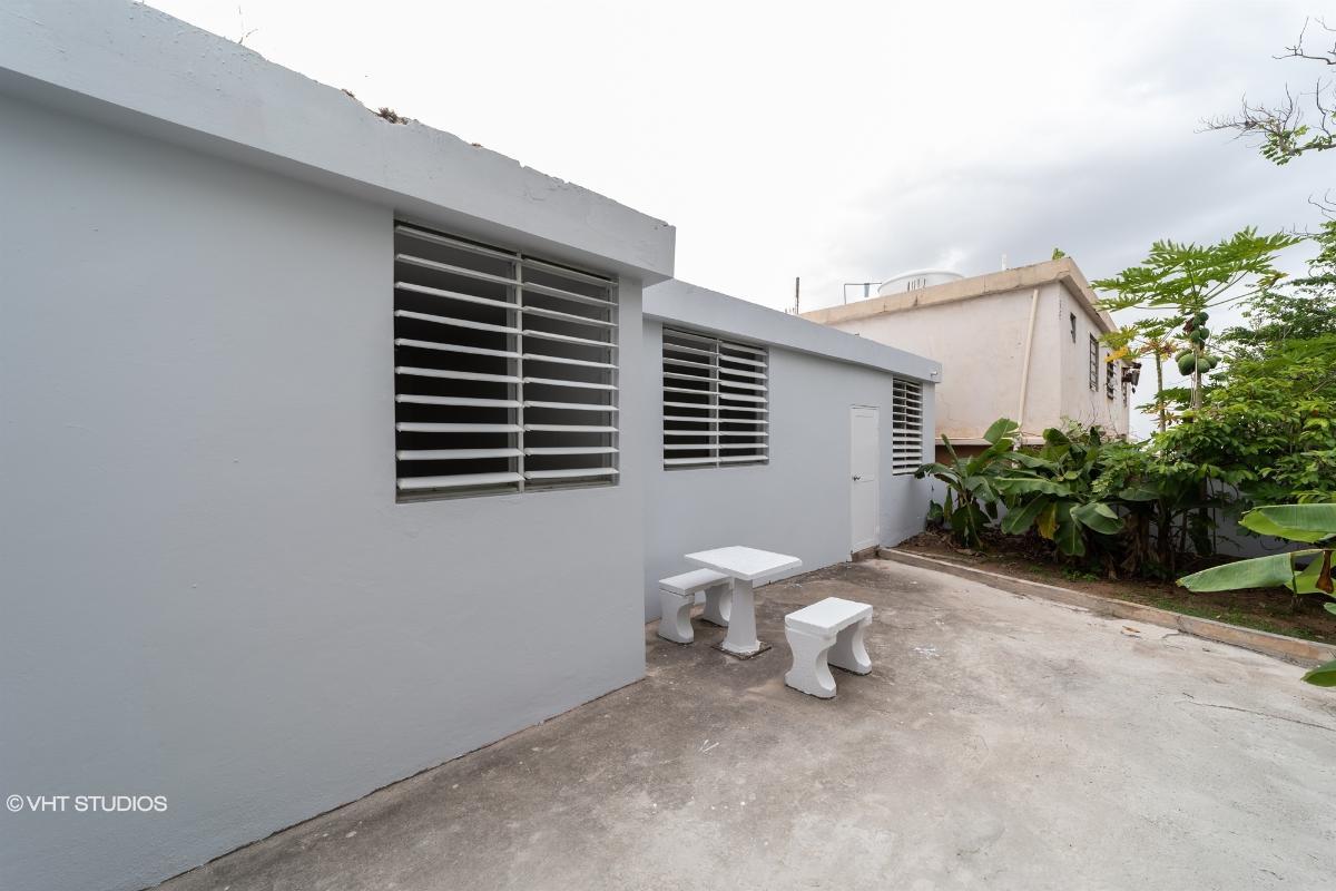 F15 Calle 7 Vista Azul 1, Arecibo, Puerto Rico