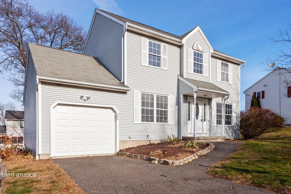 200 Kendall Circle, Waterbury, Connecticut