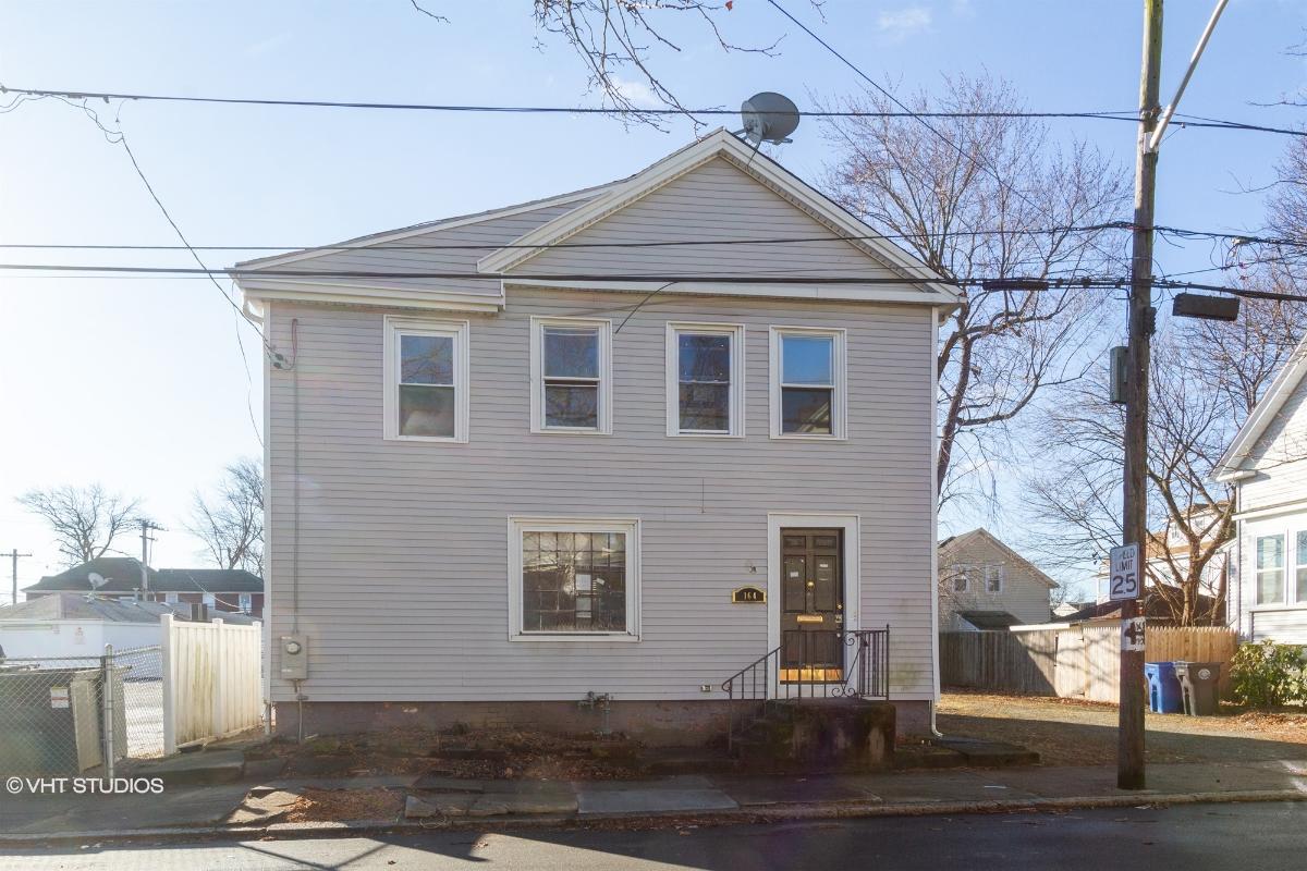 164 Montgomery Ave, Cranston, Rhode Island