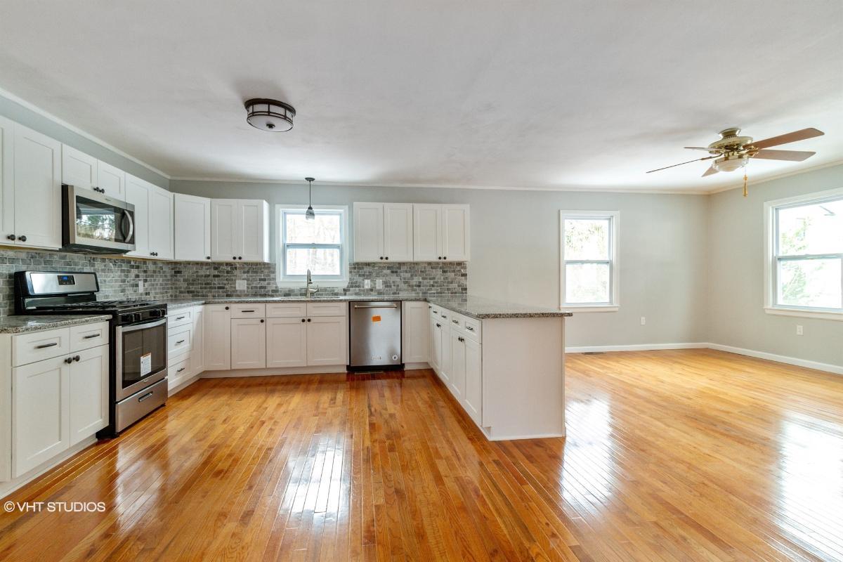 4514 Apulia Rd, Jamesville, New York