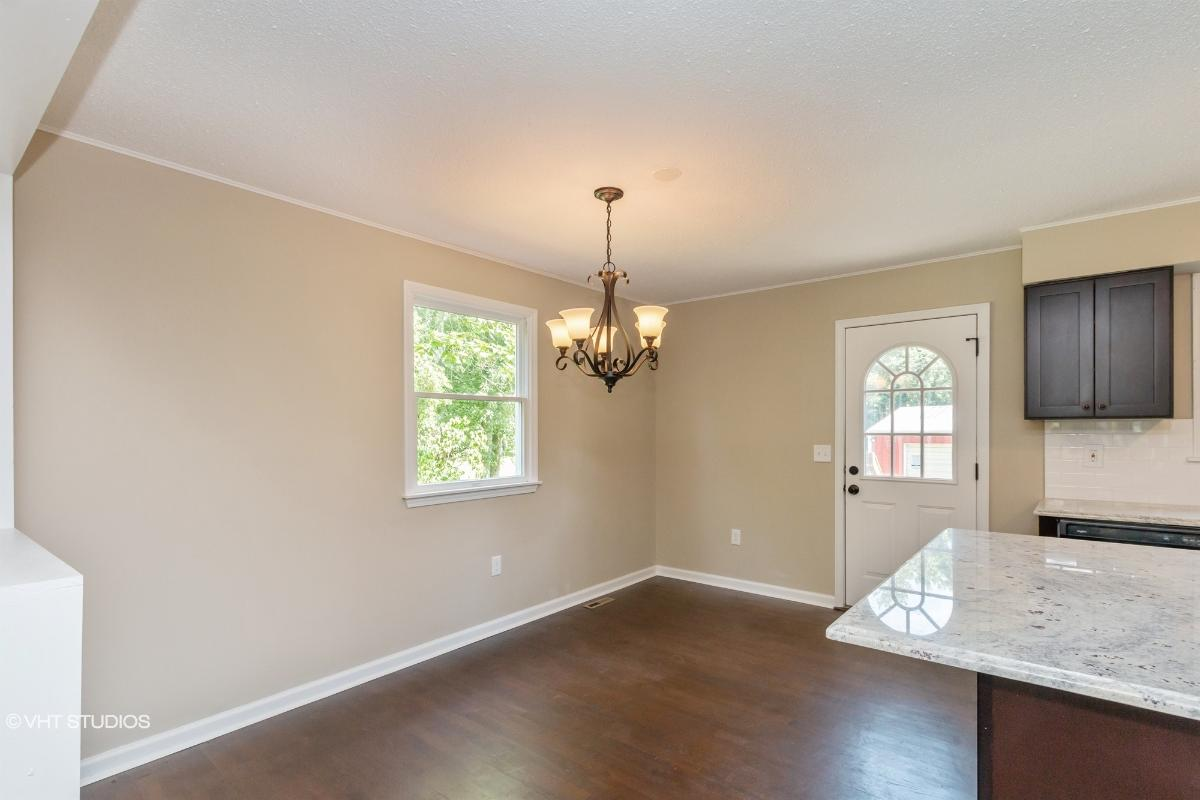 126 Division St, West Creek, New Jersey