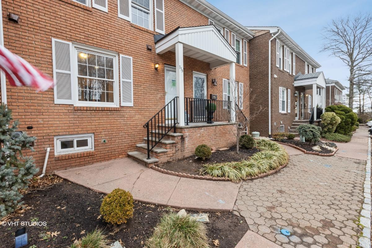 135 Howell Ave, Fords, New Jersey