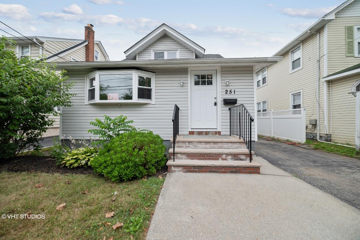 251 Forest Ave, Lynbrook, New York