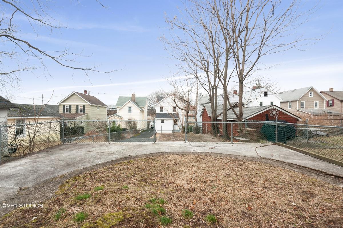 72 Prospect St, Midland Park, New Jersey
