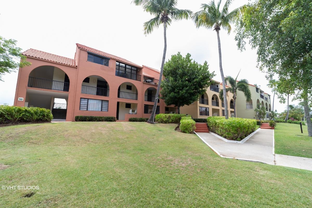 Cond Beach Village Edif 12 Apt 316, Humacao, Puerto Rico