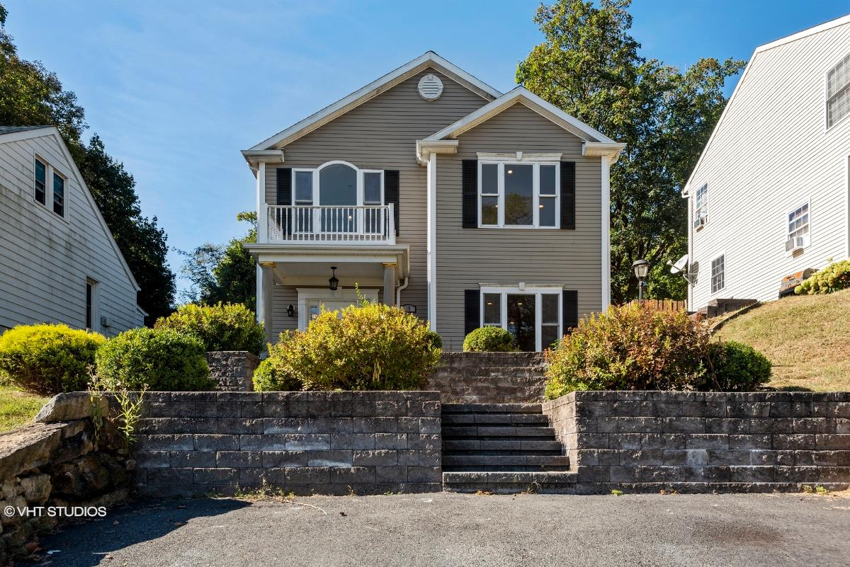 35 Shore Road, Hopatcong, New Jersey