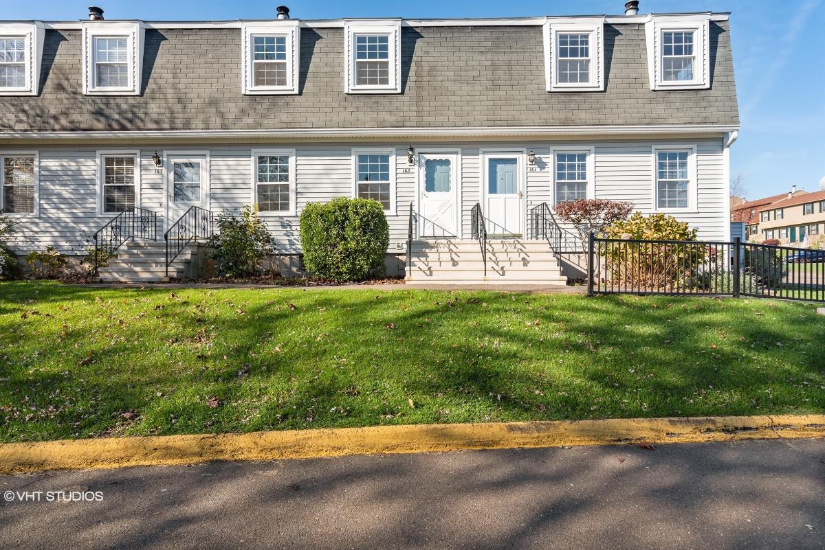 162 Austin Ryer Ln, Branford, Connecticut