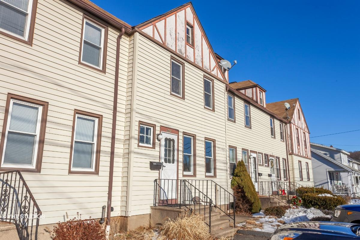98 Highland Ave Unit D, Beacon Falls, Connecticut
