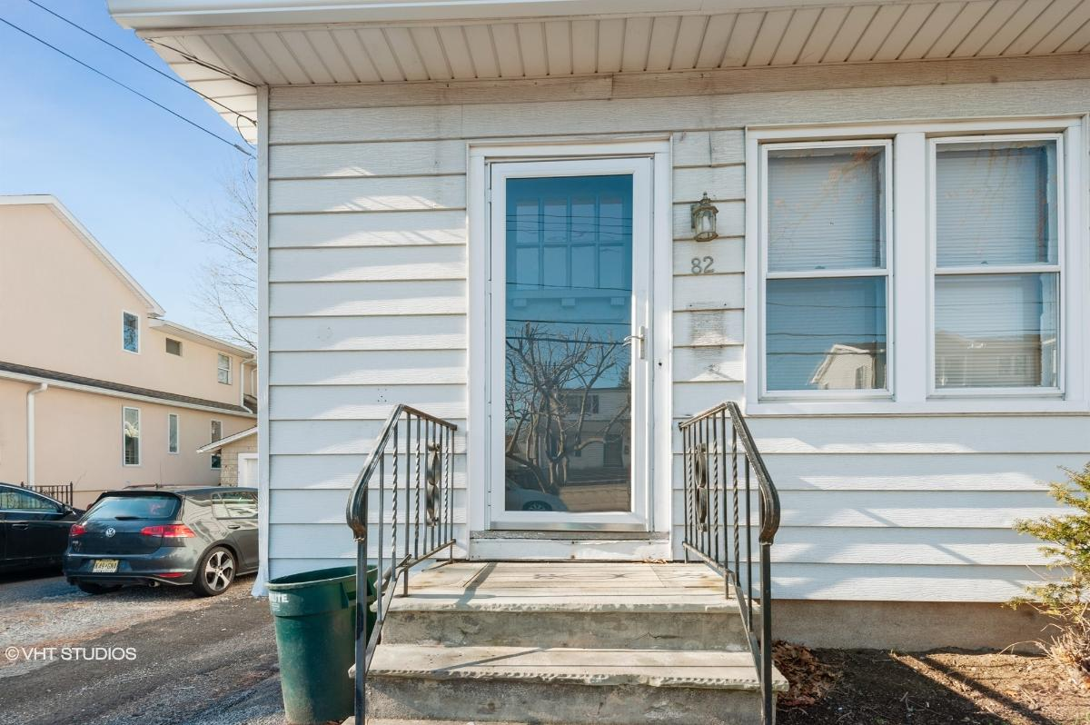 82 Roosevelt Ave, Bergenfield, New Jersey